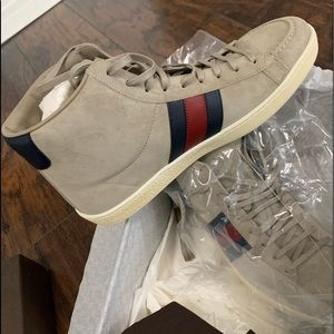 Gucci shoes Size 8+G New leather suede